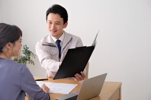 「契約のしおり」の意味や関連する保険、どんな時に使われるかを徹底解説!